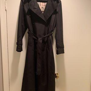 Authentic Women's Burberry Trench coat